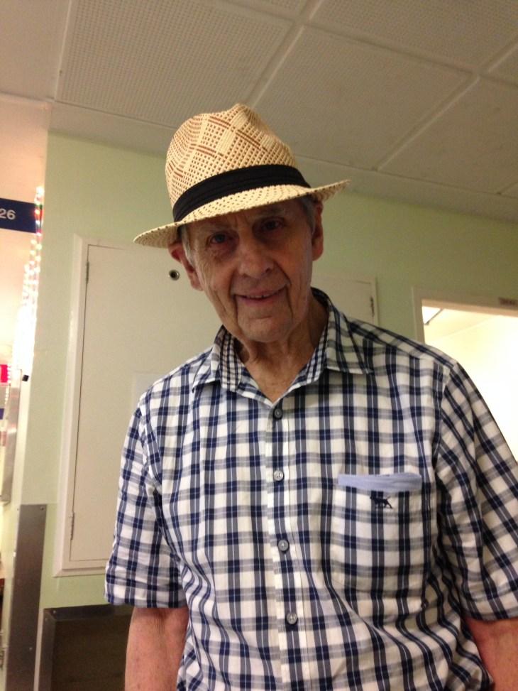 Bob with Hat