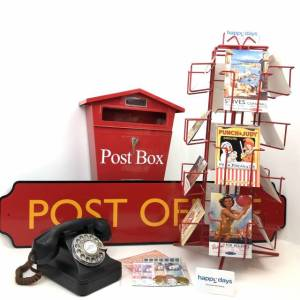 THEMED DISPLAYS: MARKET SQUARE TRAIN STATION LIBRARY POST OFFICE