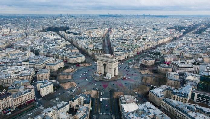 谁缔造了如今的巴黎?——从「臭味之城」到「光明之都」