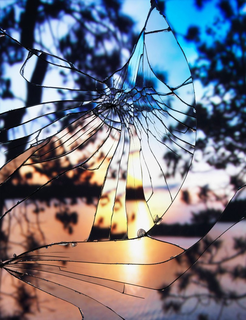 broken mirror evening sky photography bing wright 10 - Pôr-do-sol visto através de espelhos quebrados