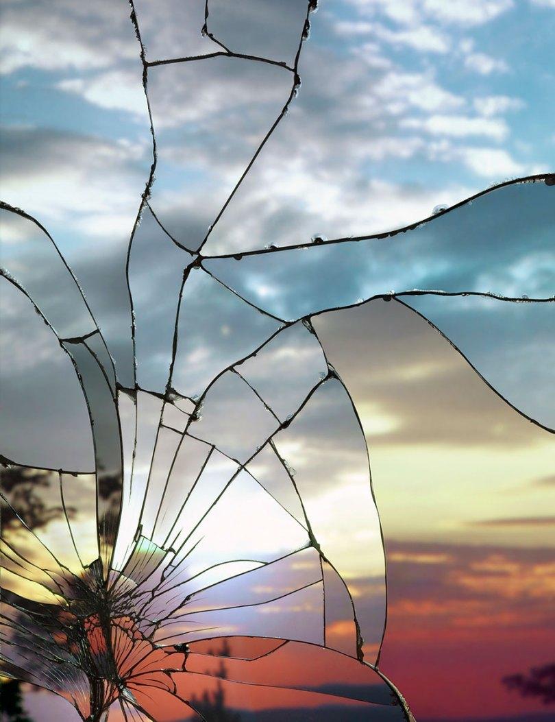 broken mirror evening sky photography bing wright 14 - Pôr-do-sol visto através de espelhos quebrados