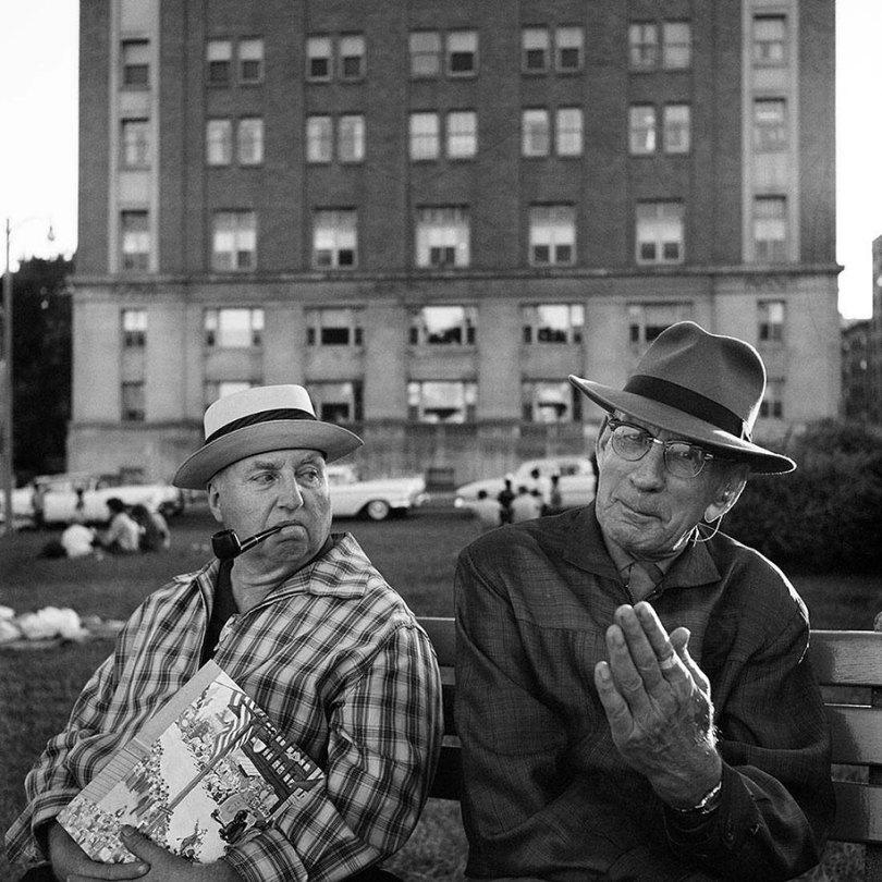 new york chicago street photography vivian maier 10 - Fotos perdidas de Vivian Maier do dia a dia americano nas décadas de 50 e 60