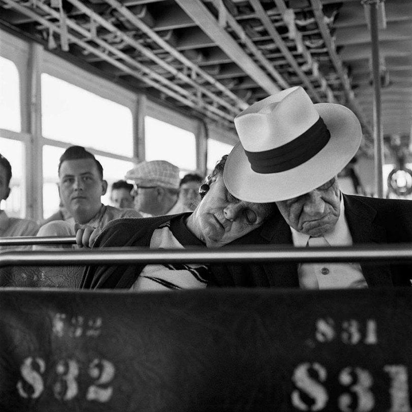 new york chicago street photography vivian maier 14 - Fotos perdidas de Vivian Maier do dia a dia americano nas décadas de 50 e 60