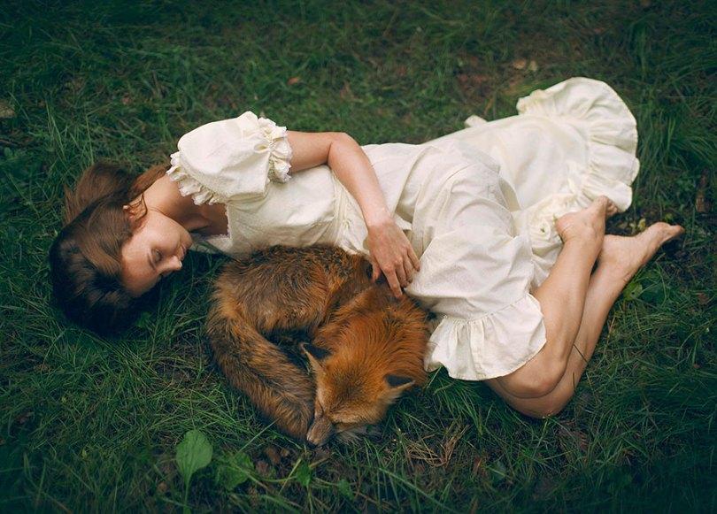 surreal animal human portraits katerina plotnikova 4 - Fotografias místicas: Pose de animais reais com seres humanos