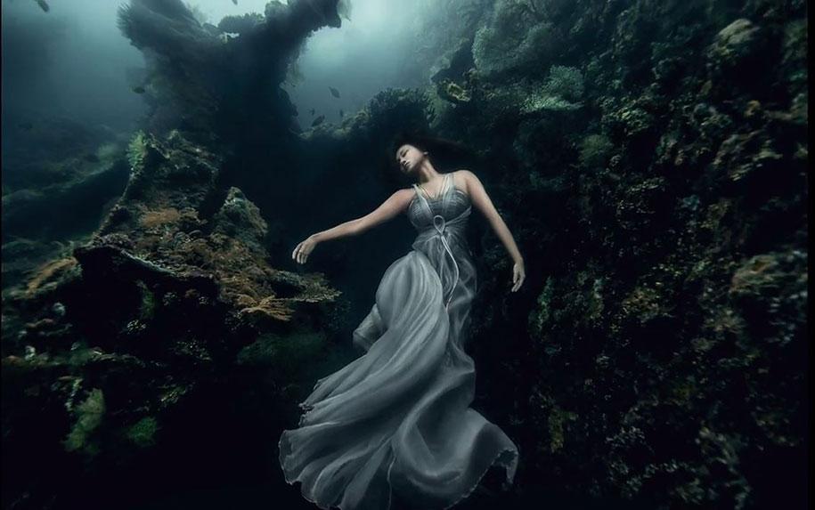 underwater-photography-shipwreck-bali-benjamin-von-wong-1