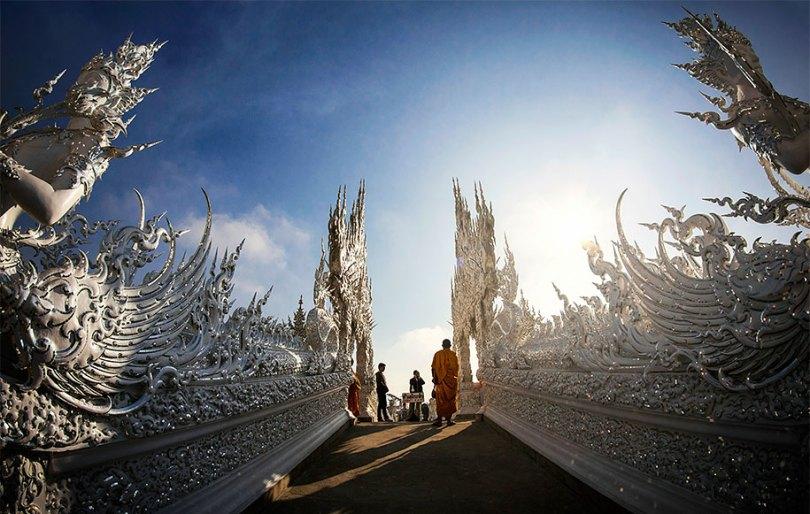 templo-branco-wat-rong-khun-budista-tailândia-arquitetura-11