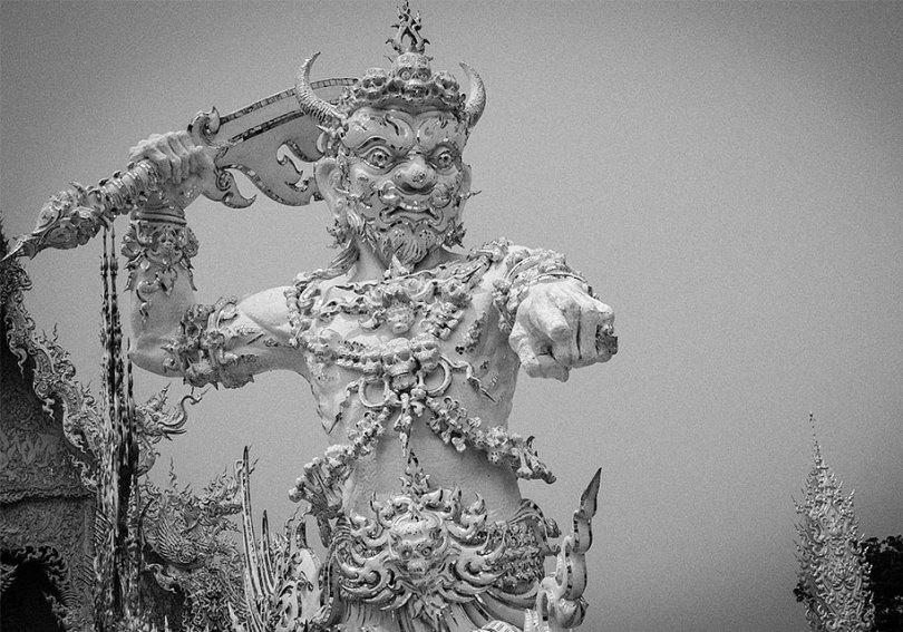 templo-branco-wat-rong-khun-budista-tailândia-arquitetura-19