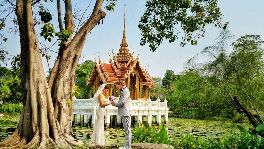 couple-wedding-around-the-world-travel-cheetah-rhian-13