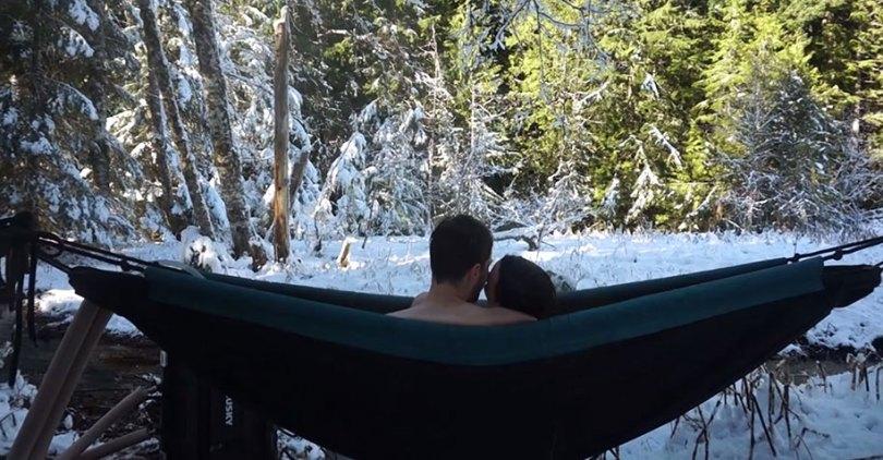 nature outdoor hot tub hydro hammock benjamin frederick 6 - Banheira estilo rede