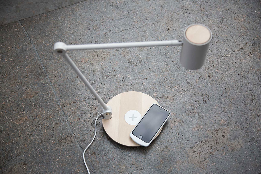 wireless-phone-charging-nordmarke-pad-riggad-lamp-ikea-1