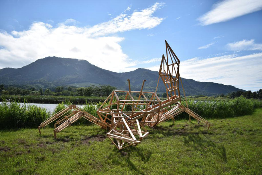 dinosaur-straw-sculptures-wara-art-festival-2015-niigata-japan-671