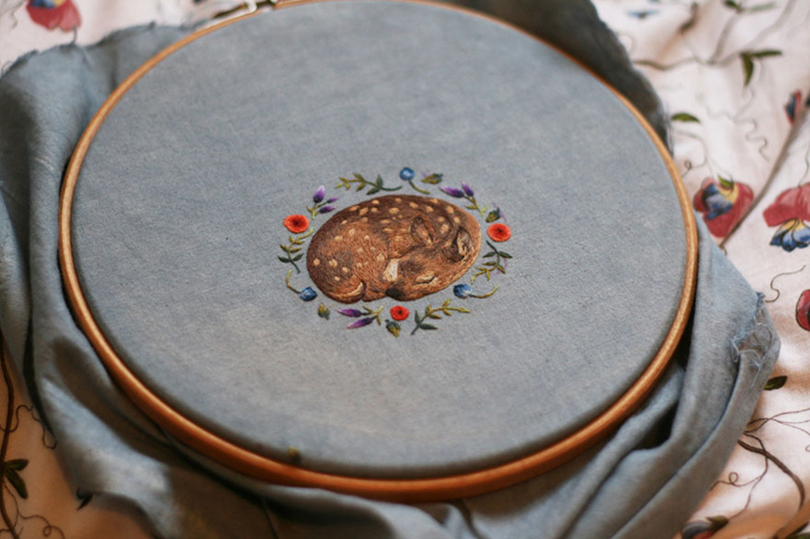 outside-the-box-embroidery-art-52