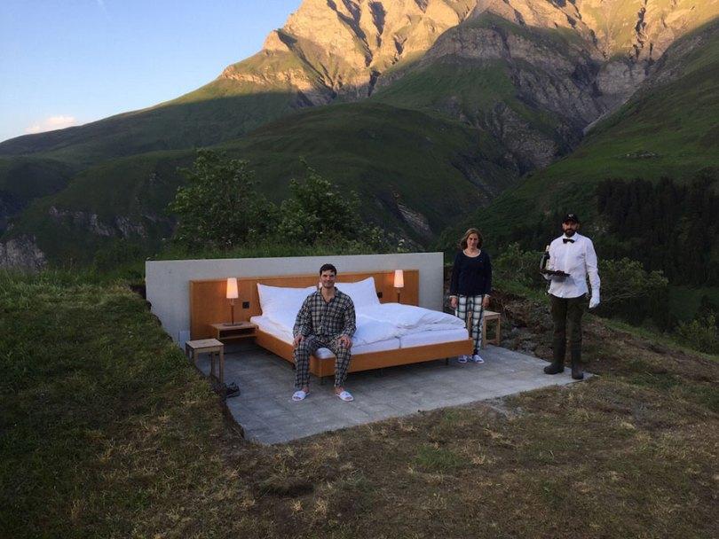 mountain bed suite swiss alps null stern hotel 4 - Dormir literalmente ao ar livre nos Alpes suíços vendo as estrelas