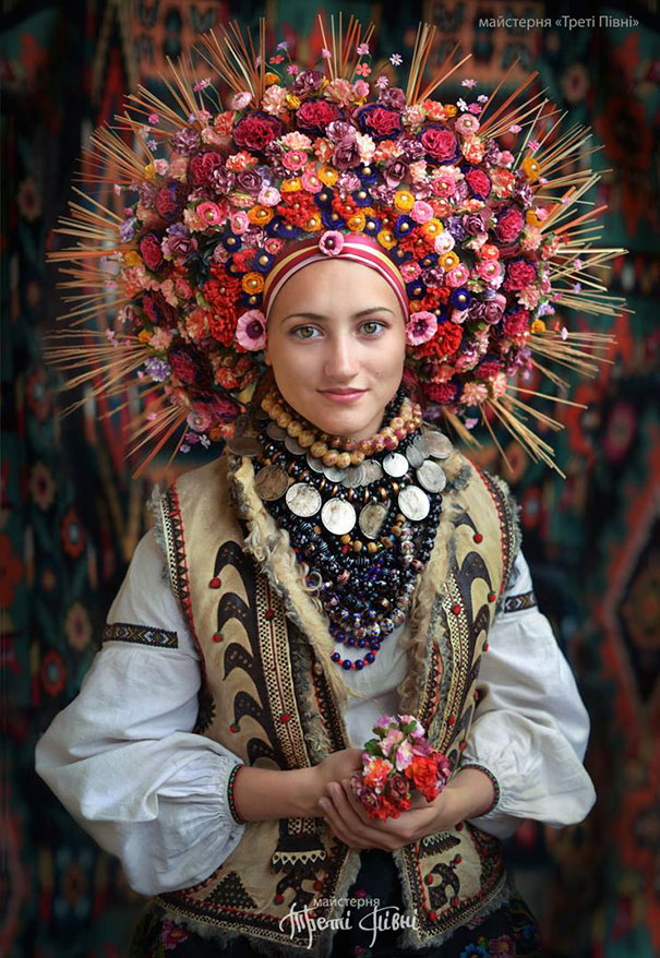 traditional-ukrainian-flower-crowns-treti-pivni-11
