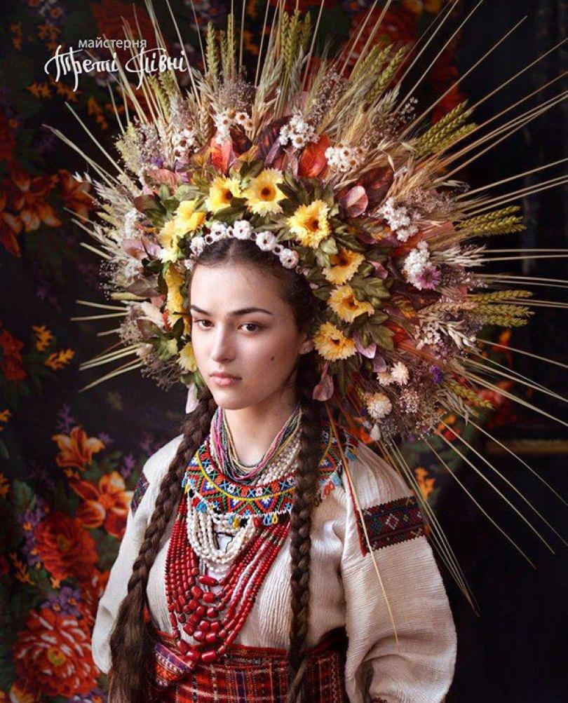 traditional ukrainian flower crowns treti pivni 7 - Mulheres e as coroas florais tradicionais de seu país