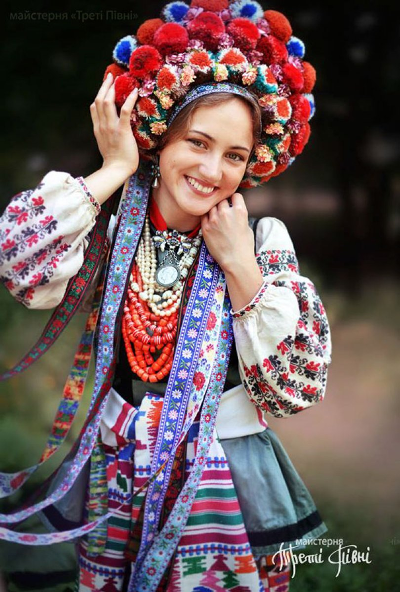 traditional ukrainian flower crowns treti pivni 9 - Mulheres e as coroas florais tradicionais de seu país
