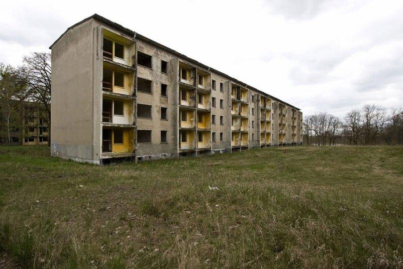 abandoned olympic venues urban decay 11 - Como ficou o complexo olímpico do Rio 2016 após o evento?