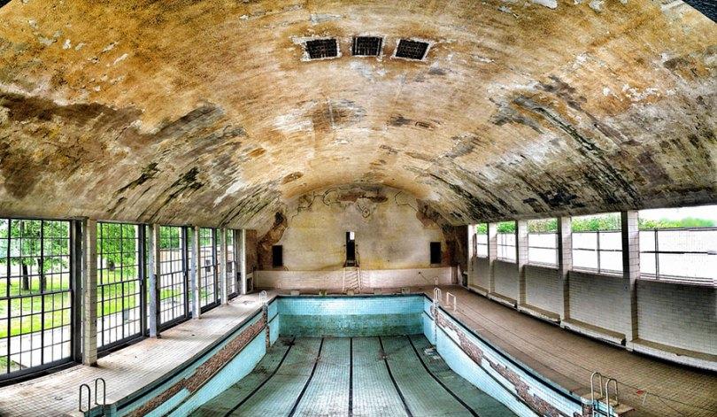 abandoned olympic venues urban decay 26 - Como ficou o complexo olímpico do Rio 2016 após o evento?
