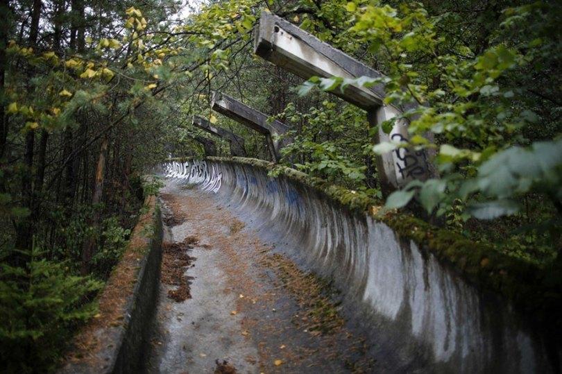 abandoned olympic venues urban decay 46 - Como ficou o complexo olímpico do Rio 2016 após o evento?