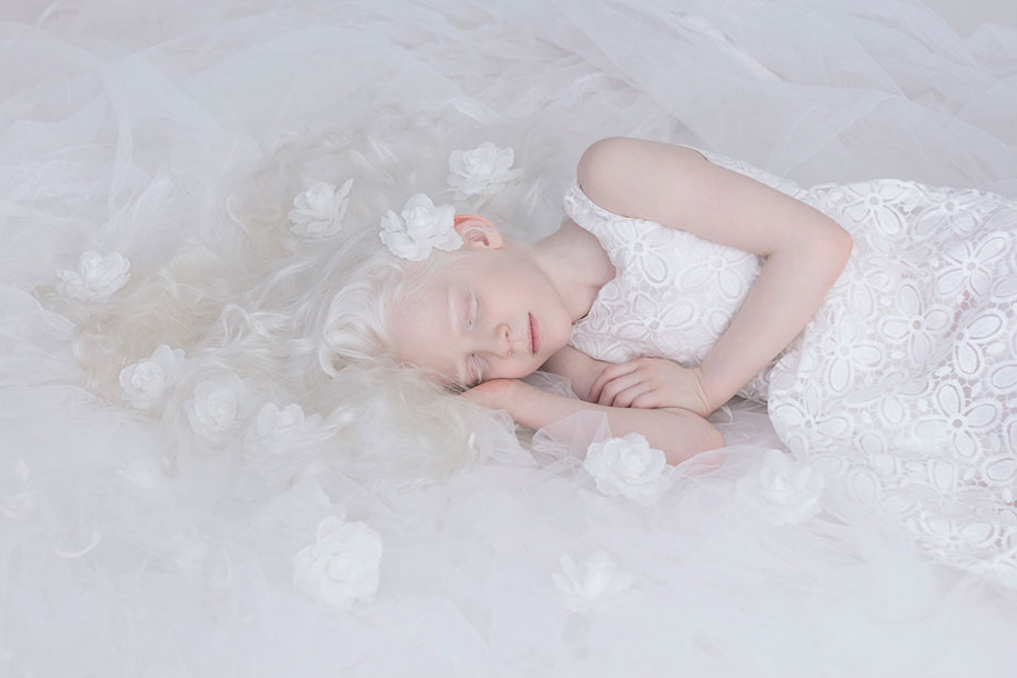 beautiful-albino-people-porcelain-beauty-yulia-taits-5