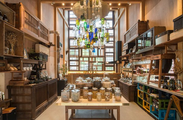 zero-waste-recycled-kamikatz-public-house-japan-9