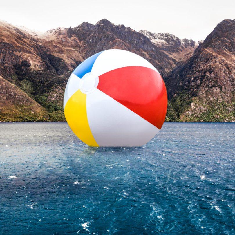 Beachball 915x915 - Imagens editadas no Photoshop de forma irônica