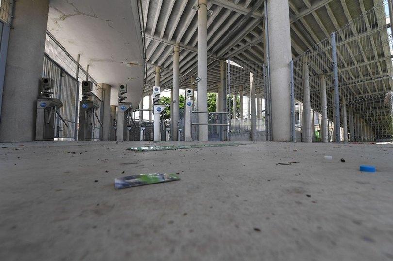 maracana olympic facilities fall apart urban decay rio 2016 13 - Como ficou o complexo olímpico do Rio 2016 após o evento?