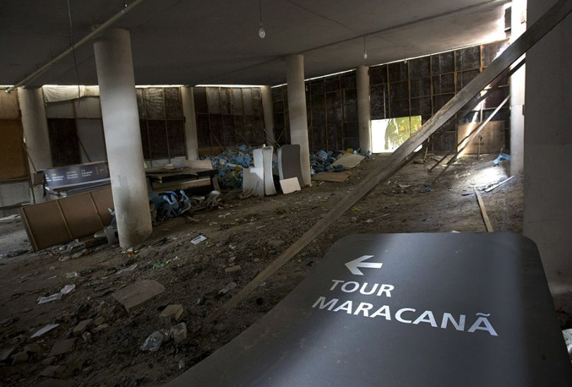 maracana olympic facilities fall apart urban decay rio 2016 2 - Como ficou o complexo olímpico do Rio 2016 após o evento?