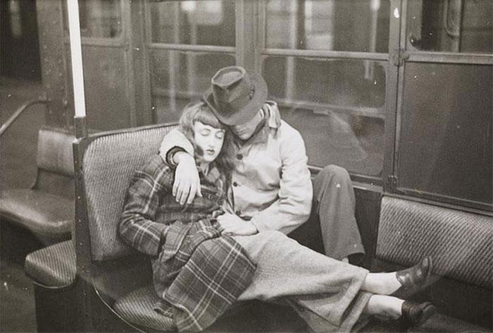 59ad11118e41c vintage photographs new york street life stanley kubrick 9 59a94f90076de  700 - Fotos de Stanley Kubrick com 17 anos revela que ele sempre foi um gênio