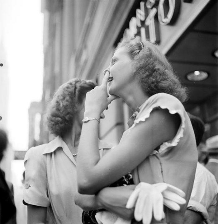 59ad1118322bc Vintage Photographs New York Street Life Stanley Kubrick 104 59a947dc224fd  700 - Fotos de Stanley Kubrick com 17 anos revela que ele sempre foi um gênio