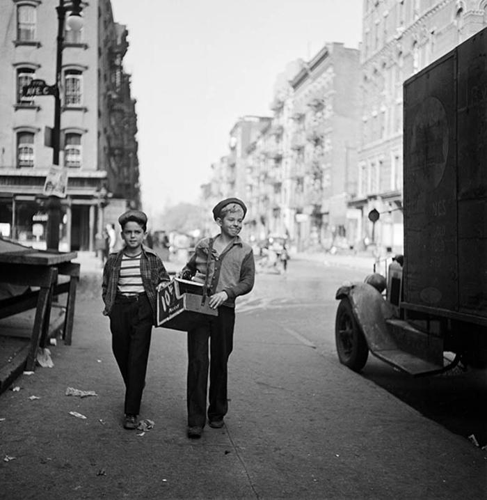 59ad1118ca7d1 vintage photographs new york street life stanley kubrick 36 59a91cd8dad75  700 - Fotos de Stanley Kubrick com 17 anos revela que ele sempre foi um gênio