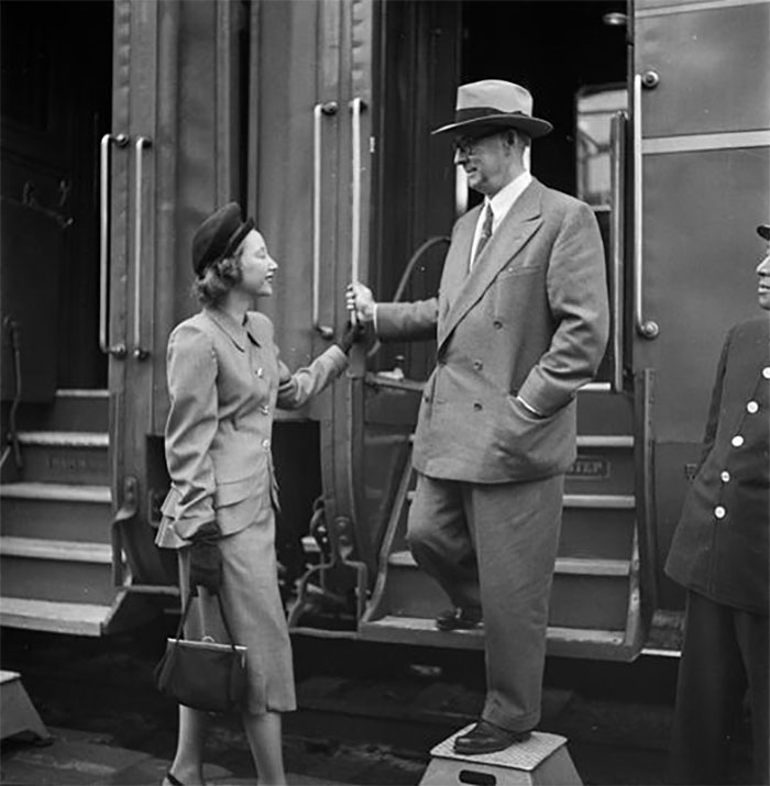 59ad111d24775 vintage photographs new york street life stanley kubrick 3 59a9430ba1163  700 - Fotos de Stanley Kubrick com 17 anos revela que ele sempre foi um gênio