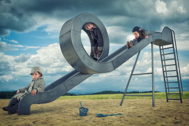 5a8ae4e716406-My-profession-is-IT-but-my-passion-is-photography-and-3D-5a8536a74cd88__880 Artist Makes Crazy Photo Manipulations With His Three Daughters And Son, And Here Are The Results Photography Random