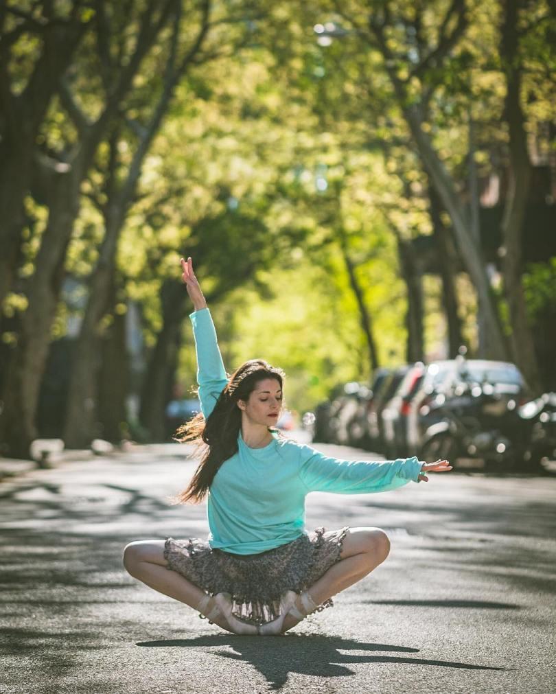 omarzrobles 13092329 1875661785994027 782929709 n 2 - Dançarinos de balé praticam seus movimentos nas ruas para foto