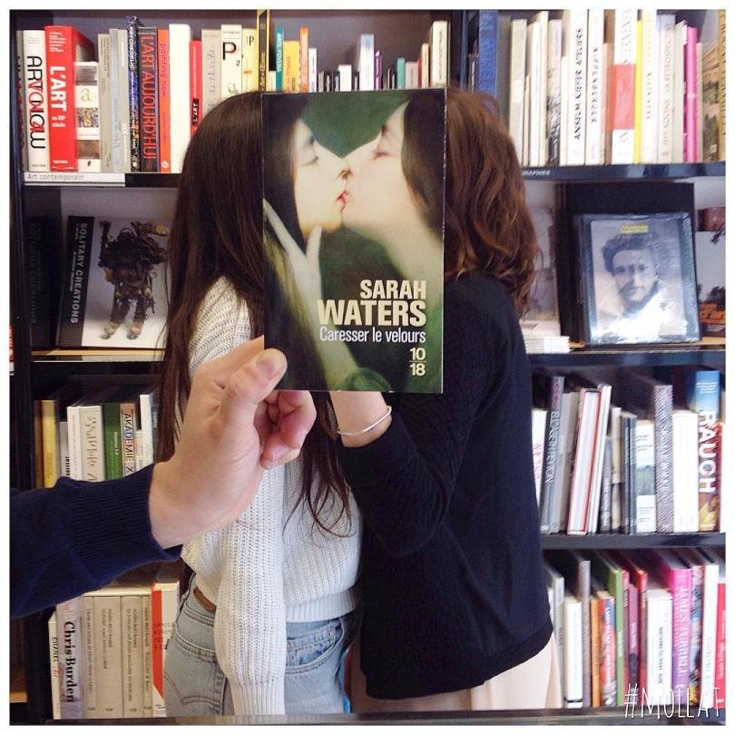 librairie mollat 27578706 545011769210413 567284133768724480 n - Funcionários entediados de livraria se divertem com capa de livros
