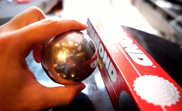 5ac1d3c54733c-aluminum-foil-ball-japan-15-5abe228f9dfc8__700 Japanese Are Polishing Foil Balls To Perfection, And It Looks Too Good Random