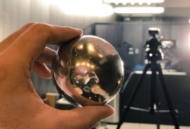 5ac1d3c694818-aluminum-foil-ball-japan-21-5abe22fb95139__700 Japanese Are Polishing Foil Balls To Perfection, And It Looks Too Good Random