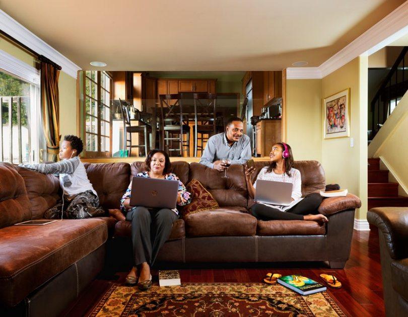5ac775bd36393 families change 20 years suburban dreams beth yarnelle edwards 6 - Fotógrafa visita as mesmas famílias americanas 20 anos depois