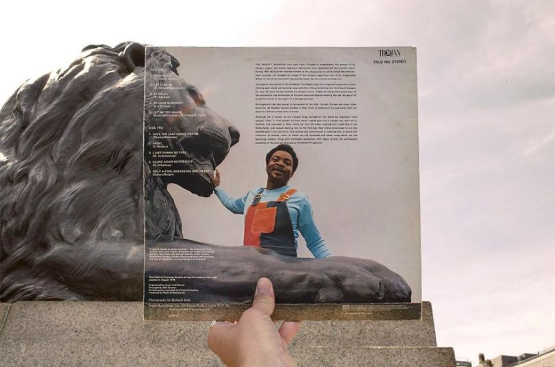 5accb880645e6 Photographer does tour in London by registering the location of the iconic reggae vinyl album covers 5ac721a31f5e2  880 - Fotógrafo passa 10 anos rastreando os locais originais das capas de vinil