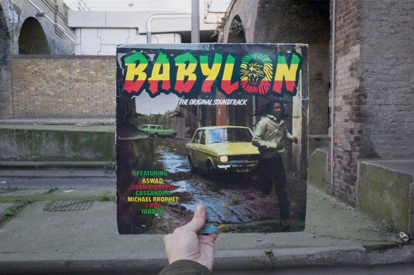 5accb88b47514 Photographer does tour in London by registering the location of the iconic reggae vinyl album covers 5ac721b7eae64  880 - Fotógrafo passa 10 anos rastreando os locais originais das capas de vinil