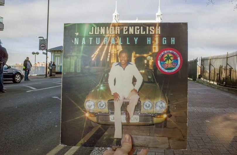 5accb88b77f59 Photographer does tour in London by registering the location of the iconic reggae vinyl album covers 5ac72bca4cda5  880 - Fotógrafo passa 10 anos rastreando os locais originais das capas de vinil