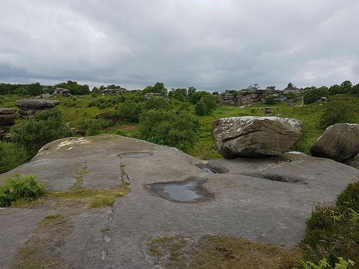 5b236f6d262f7 brimham rock york moors vandalism north yorkshire 5b22151923e86  700 - Adolescentes destroem 320 milhões de anos de história em poucos segundos