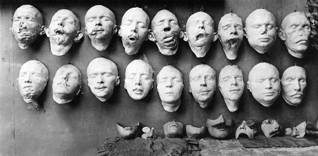 5b72c84aafc68-face-portrait-masks-world-war-anna-coleman-ladd-12-5b6d4977061ec__700 These WWI Soldiers Were So Wounded They Were Doomed To A Life Of Isolation – This Woman Changed Their Lives Random