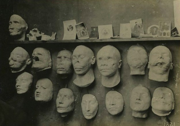 5b72c84e4bfb6-face-portrait-masks-world-war-anna-coleman-ladd-2-5b6d495fd6b7f__700 These WWI Soldiers Were So Wounded They Were Doomed To A Life Of Isolation – This Woman Changed Their Lives Random