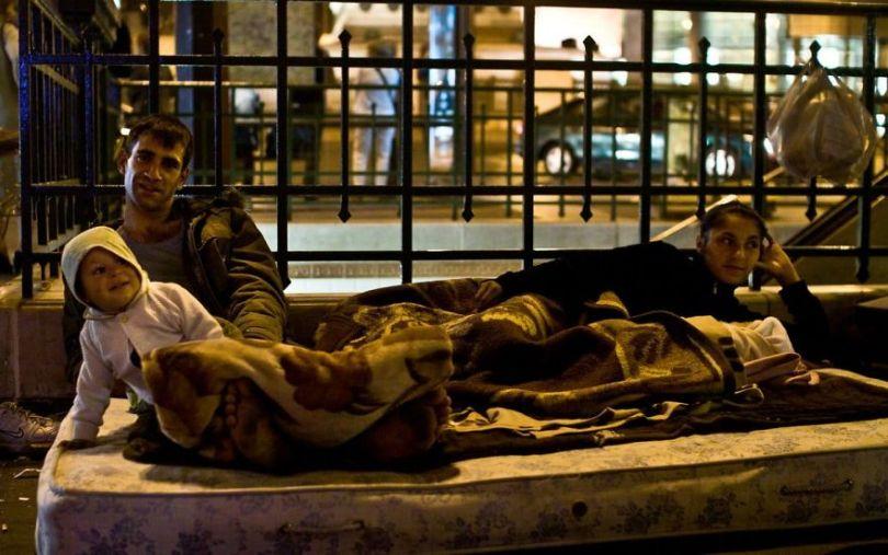 5b9bb39233ca0 10 13 5b8d1fd2a8b35  880 - Fotojornalista revela o lado não tão romântico de Paris