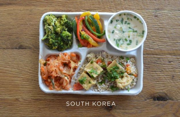 5bb4b3e9057cf-south-korea-5bb312696238e__700 9 Photos Showing How School Lunches Look Around The World, And America's Looks Least Appealing Random