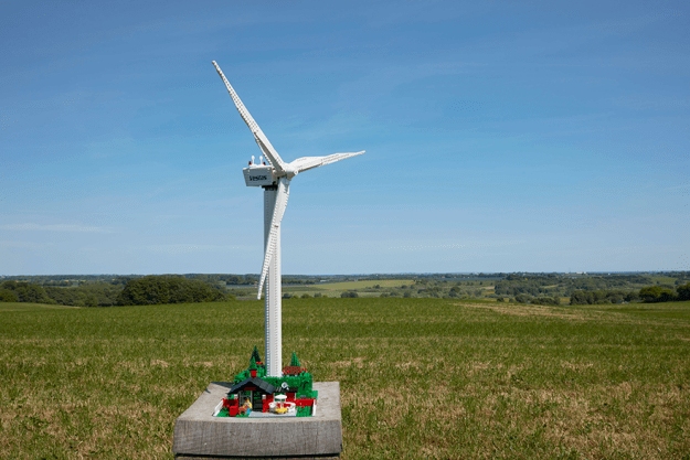 lego-vestas-wind-turbine-3 Lego Announces $200 Fully Functional Wind Turbine And Now Your Lego City Can Be Eco-Friendly Random