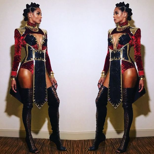 5be05542d6d7b-1057597424871636992-png__700 30+ Celebrities Who Completely Nailed This Year's Halloween Random