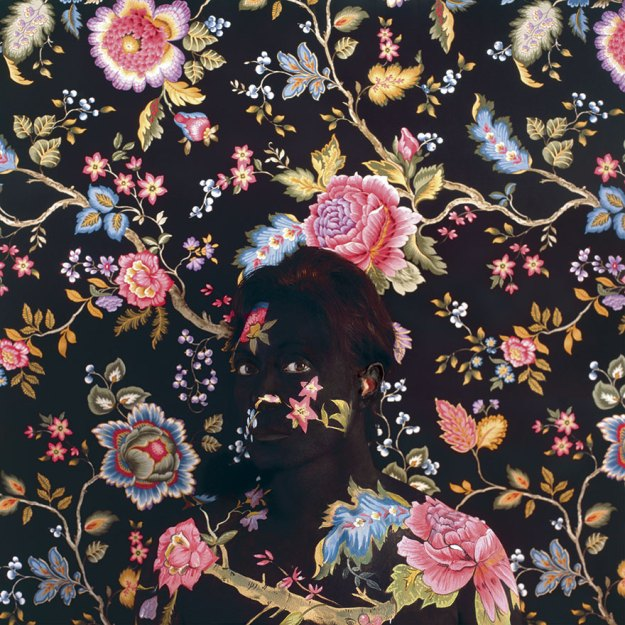 camouflage-art-cecilia-paredes-21 This Artist Uses Her Camouflage Skills To Blend Into Floral Backgrounds Art Random