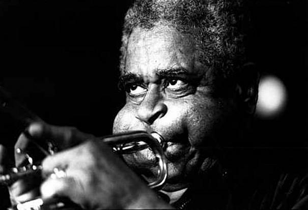 giant-cheeks-dizzy-gillespie-9 20 Photos Showing The Amazing Stretched Cheeks Of Legendary Jazz Player Dizzy Gillespie Random